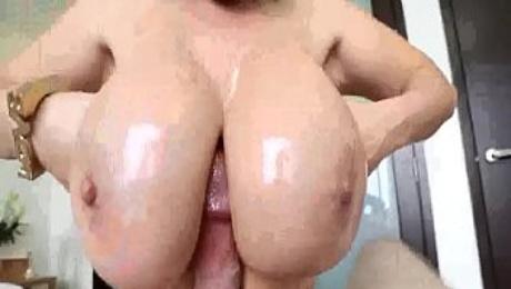 Big titted pornstar Kiarra Dior sucking a big cock - Pov-Porn.net