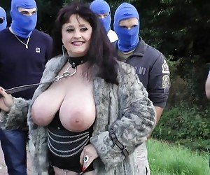 MILF Outdoors Tube
