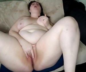 MILF Masturbation Tube